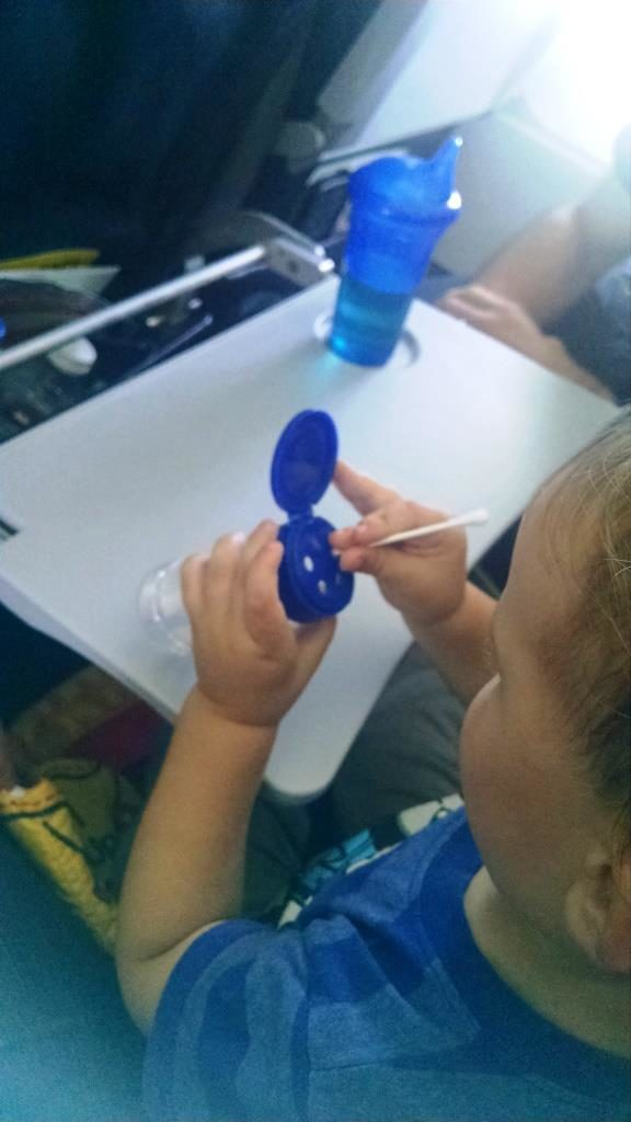 travel-with-toddlers-fine-motor-game