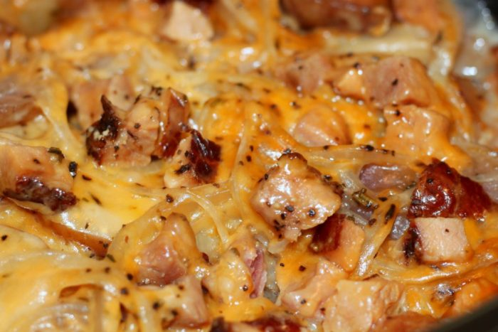scalloped-potatoes-slow-cooker- Lovely make-ahead brunch recipe for Mother's day!