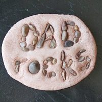 Dad Rocks Paperweight: a super easy Father's Day Craft for kids